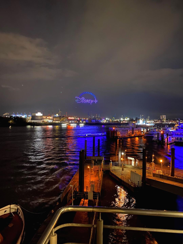 The Mandalorian: Intergalaktischer Gruß über Hamburg - Bild 1 von 24