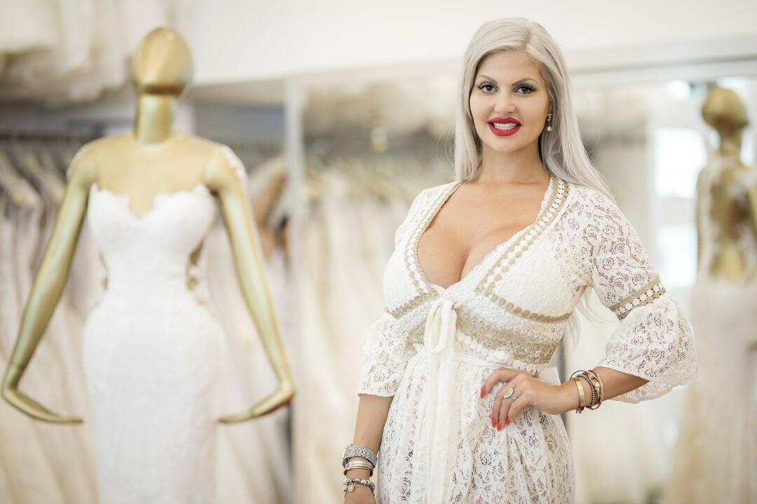 Promi Shopping Queen mit Angelina Heger, Sabrina Mockenhaupt und Sophia Vegas - Bild 1 von 15