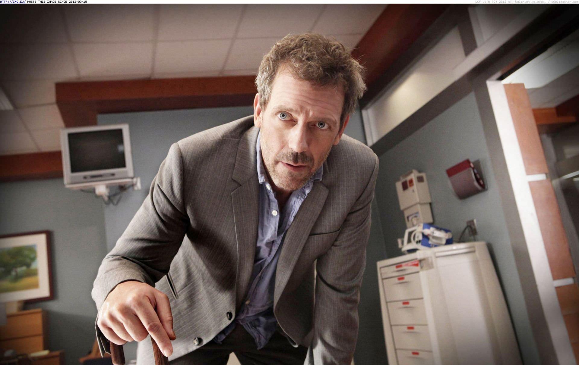 2004: DR. HOUSE, ein grantiger, übellauniger, drogensüchtiger aber genialer Arzt rettet viele Menschenleben. Damals ein regelrechter Strassenfeger.